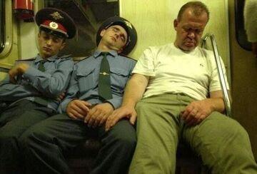 W Rosyjskim metrze z Policjantami