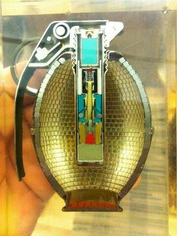 Tak wygląda granat od środka