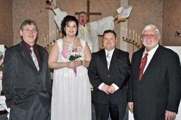 Ksiądz w tle  - Wpadka weselna