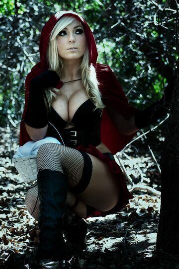 Jessica Nigri - Czerwony kapturek