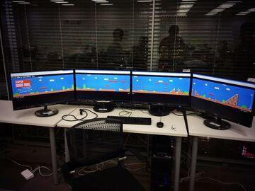 Mario na 4 monitorach