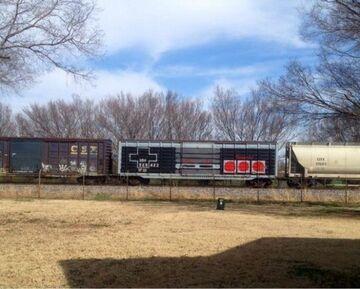 Graffiti na wagonie pociągu - joypad Nintendo