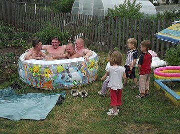 Kupmy dzieciom basen...