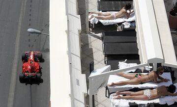 MONACO tor F1, mężczyźni trenują, kobiety plotkują