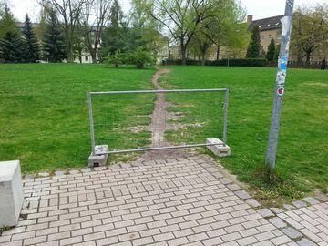 Dzika ścieżka - nie przejdziesz!
