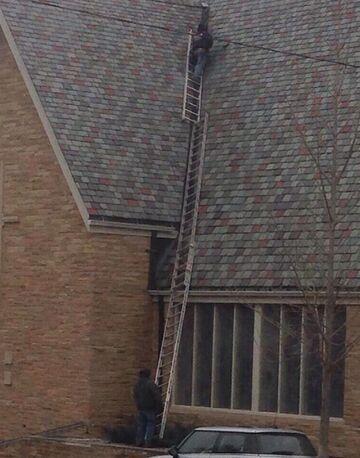 Naprawa dachu, pełne bezpieczeństwo