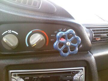 Wymiana pokrętła w samochodzie