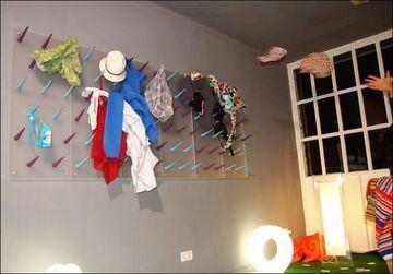 Wieszak na ubrania dla leniwych