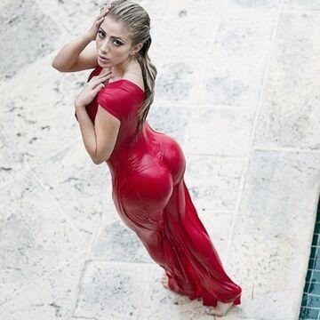 Mokra Valeria Orsini w sukience