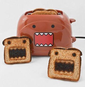 Kto chce taki toster? Domo toaster