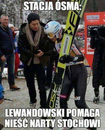 Lewandowski pomaga Stochowi