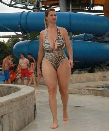 Dojrzała w bikini