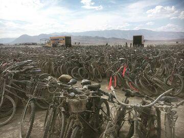 5tyś rowerów porzuconych po festiwalu Burning Man