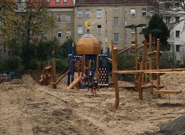 Plac zabaw dla dzieci w Berlinie (Kreuzberg)