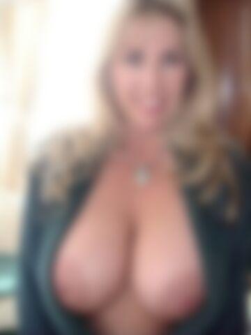 Wielkie piersi Wifey