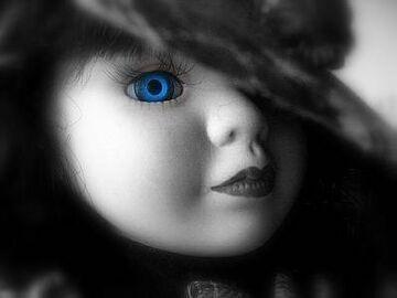Drabble- Zwierzęcy instynkt porcelanowej lalki