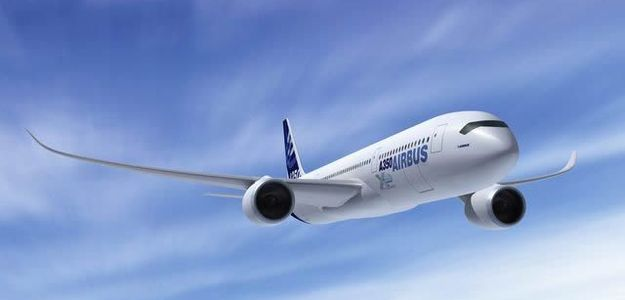 Puścili w samolocie zły komunikat: kilka minut paniki pasażerów