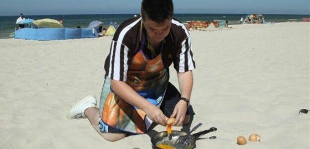 Na plaży możesz usmażyć sobie jajka!