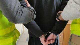 Pomylił policjantów z dilerami. Zapytał, czy mają marihuanę na sprzedaż