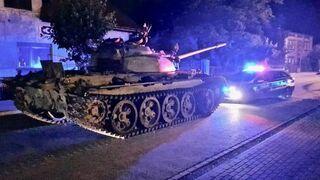 Pijany mężczyzna jeździł 36-tonowym czołgiem po mieście