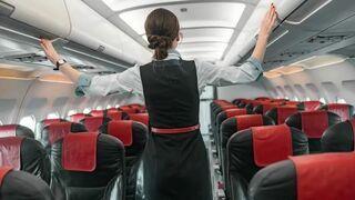 Kontrowersyjne zalecenia dla stewardess w Chinach. Mają nosić pieluchy w czasie lotu