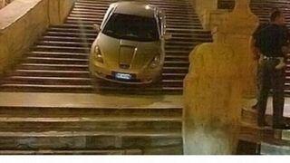 GPS wyprowadził kierowcę... na strome schody