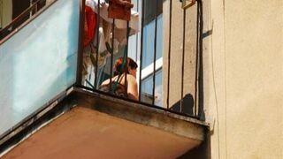 Dwulatek więził mamę. Na balkonie!