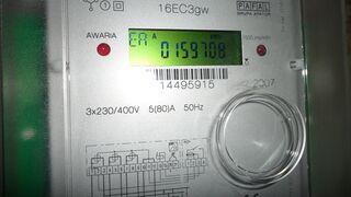 Elektryk-amator zmniejszał ludziom rachunki za prąd