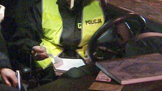 Policjantka wlepiła mandat koledze z patrolu, bo nie miał zapiętych pasów