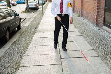 Niewidomy stracił zasiłek, bo nie przeczytał listu