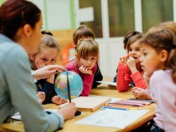 Z francuskich szkół mają zniknąć wyrazy określające płeć rodzica.