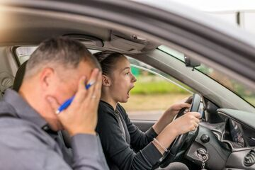 Nie zdała na prawo jazdy ponad 100 razy. Może pora na wprowadzenie limitu prób?