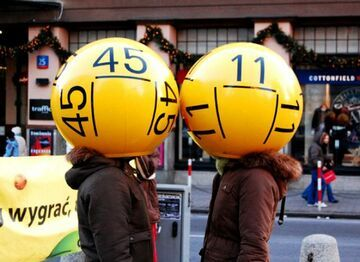 Znudzona pracownica poczty kradła zdrapki Lotto