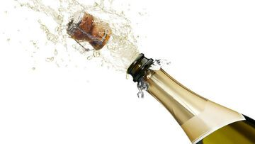 Zmierzono prędkość korka od szampana