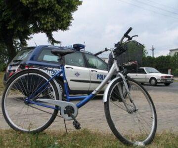 Pijany rowerzysta wbił się w radiowóz