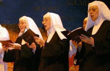 Wytwórnia muzyczna szuka śpiewającej zakonnicy