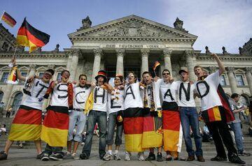 Gafa szwajcarskiej TV - hymn Niemiec z czasów III Rzeszy w czasie transmisji z Euro