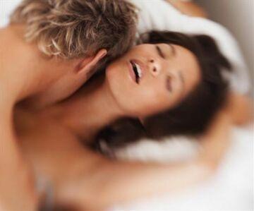 Kazali masturbować się pacjentkom przed kamerą