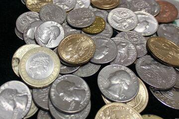 Zebrał 8 tys. dolarów w monetach i poszedł kupić samochód