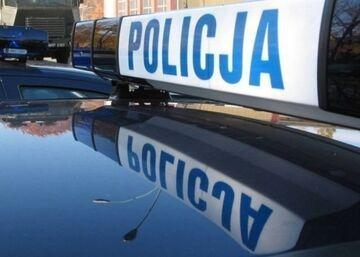 Pijany kierowca poprosił policjanta o zatankowanie auta