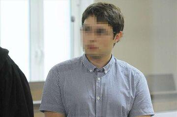 Student płacił za seks fałszywkami
