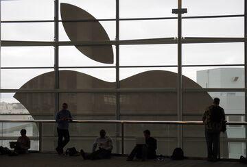 Pozwał Apple. Przez nich przestał uprawiać seks z żoną