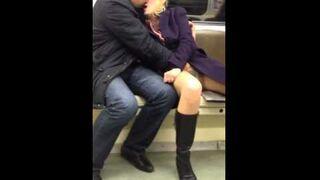 Palcówka w metrze!