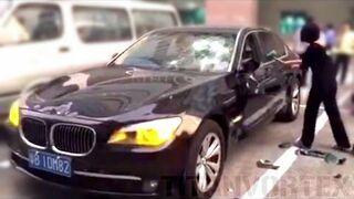 Zdradzona żona, młotek i BMW byłego już męża