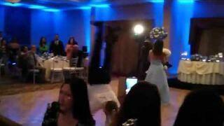 Niefortunne wejście na weselu