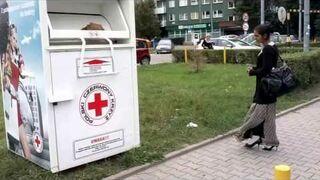 Jak można okradać Czerwony Krzyż?