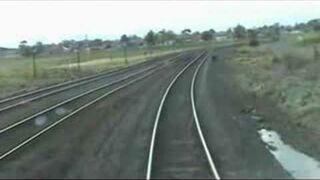 Pociąg prawie przejechał człowieka