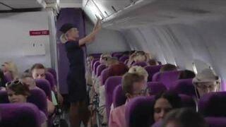 Bezpieczny seks na pokładzie samolotu. Durex