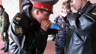 Jak Rosyjska policja walczy z narkotykami