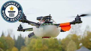 100 dronów jednocześnie na niebie